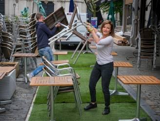 IN BEELD. T-Day lonkt: Brusselse cafés maken zich op voor de verlossing