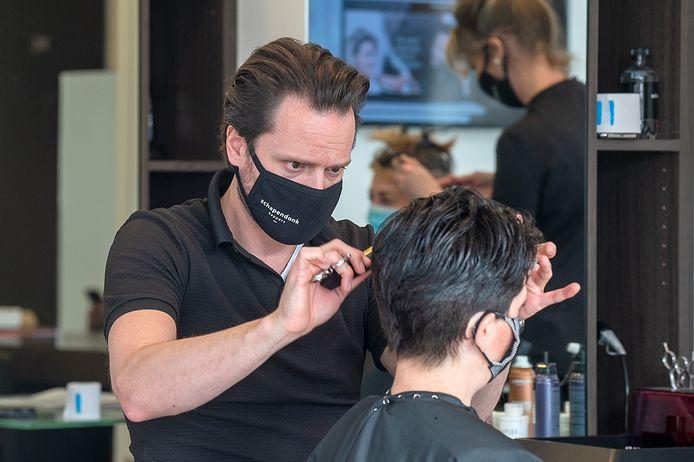 Maarten Schapendonk aan het werk.