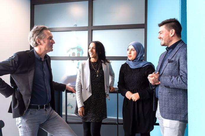 (Vlnr) Frank de Haan, Salima Matthijssen, Aicha Aidi en Ger Segeren.