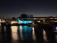 Waarom de Biesboschhal in Dordrecht blauw kleurt