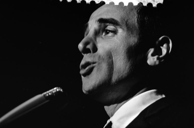 Charles Aznavour treedt twee keer op in de Heineken Music Hall. Hij maakte door de jaren heen vaker zijn opwachting bij Nederlandse podia. In het Concertgebouw gaf Aznavour in 1963 bijvoorbeeld een nachtconcert. Beeld anp