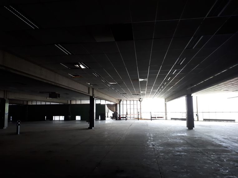Het interieur van de verlaten drukkerij Strobbe.
