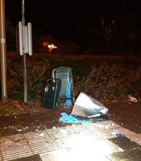 GroenLinks: 'Hoe kan het dat er 77 prullenbakken zijn opgeblazen deze jaarwisseling in Hoeksche Waard?'