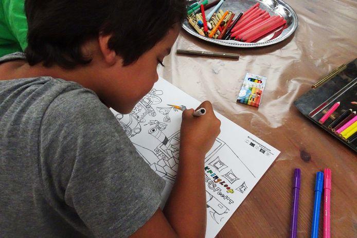 Een kleurmiddag bij het kringloopcentrum was vorig jaar een van de ZomerPretPas-activiteiten.