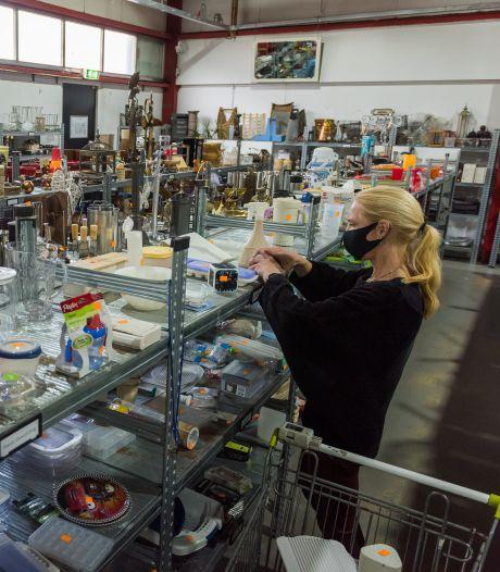 Volle wachtlijsten voor winkelen-op-afspraak in kringloopwinkels: 'Zó naar uitgekeken!'