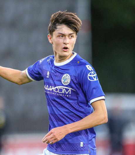Ryan Leijten tekent profcontract bij FC Den Bosch op zijn achttiende verjaardag