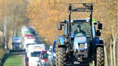 Landbouwer blust tractorbrand