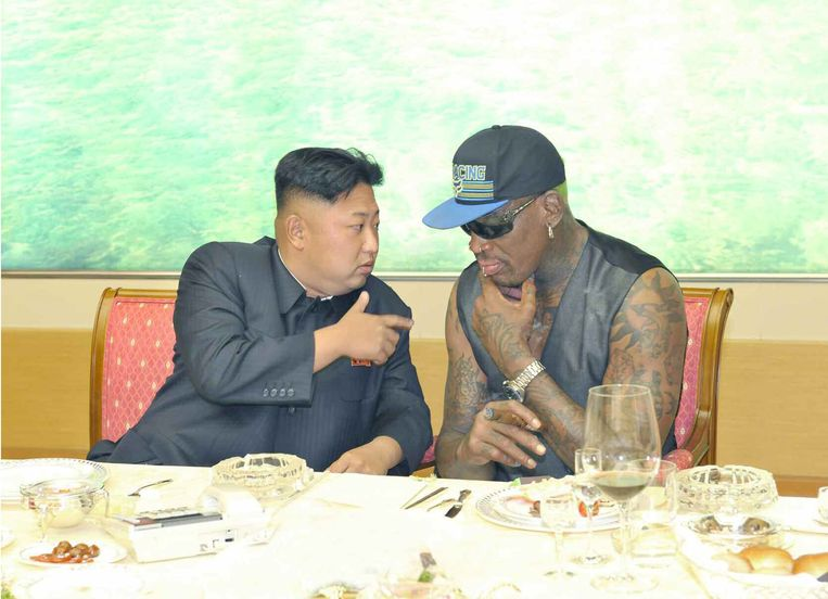 Dennis Rodman bij Kim Jong-un. Beeld EPA