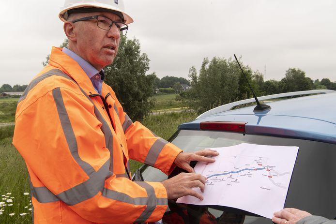 Tonny Arissen legt uit waarom de verbreding van de A1 niet gewoon rechtstreeks van Azelo naar Twello (of omgekeerd) werd afgewerkt.
