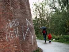 Hakenkruizen getekend bij lagere school Kranenburg