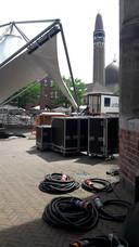 Opbouw van Sterren Muziekfeest op het Plein in Waalwijk