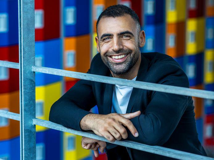 Amin Asad uit Nieuwegein is Docent van het Jaar 2021 en schreef daar een boek over.