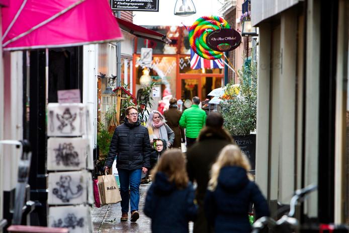 Winkels in de Deventer binnenstad mogen hun deuren op zondag vervroegd openen.
