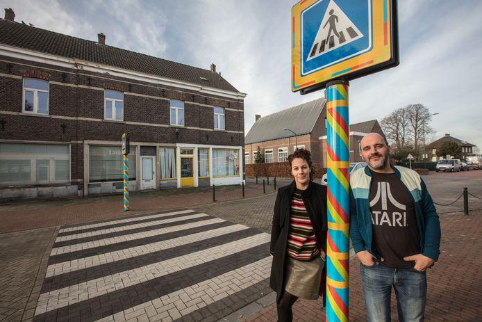 Kunstenaars Angeline Maas en Jorrit de Kort in Budel-Schoot.