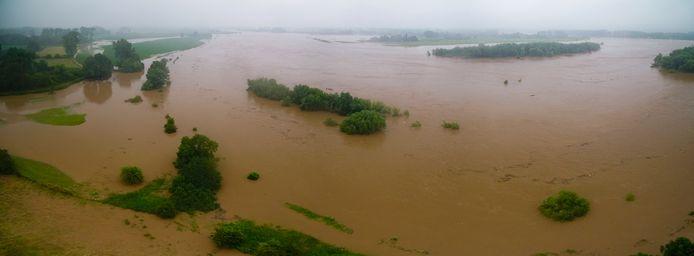 Een verwoestende kolkende massa water.