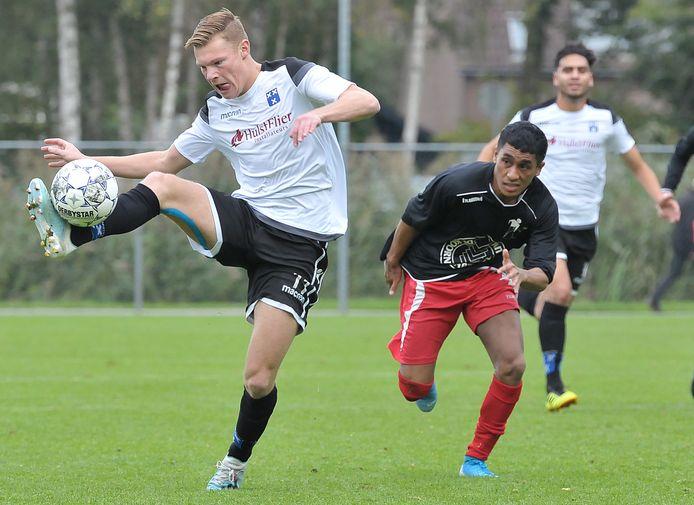 Wieldrecht-aanvaller Mark van Agteren voelt weinig voor voetballen op zondag.