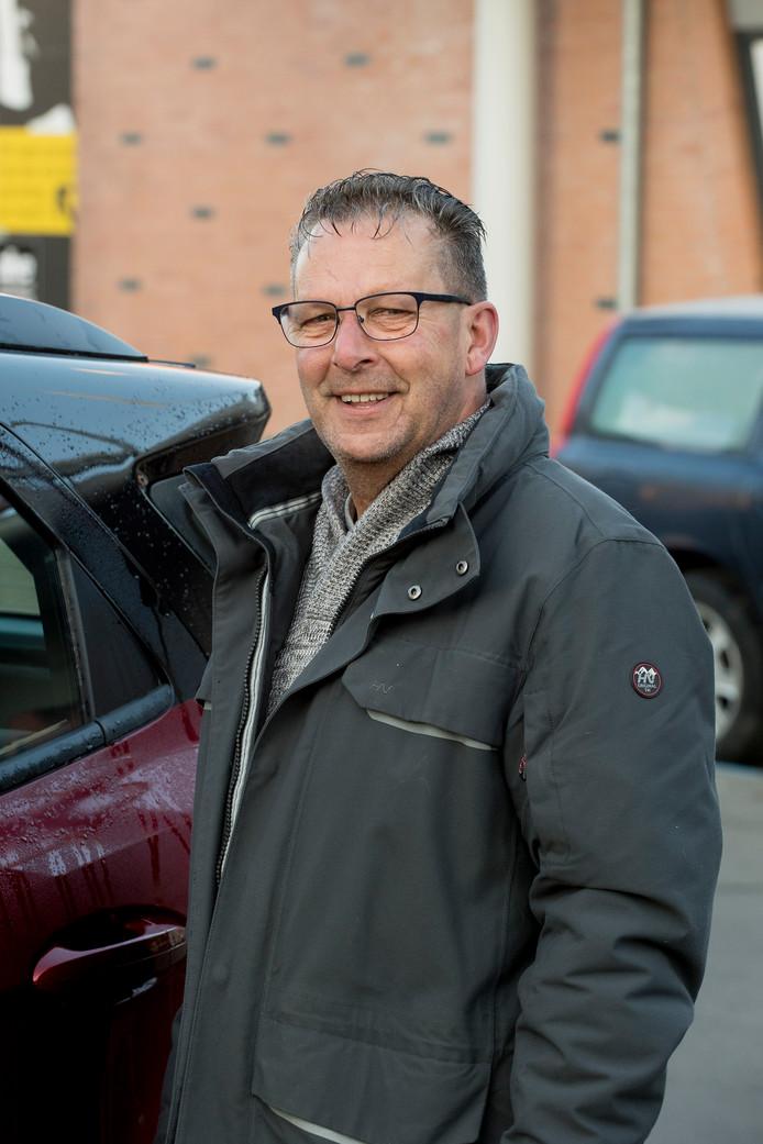 Lammert Hol is op weg naar zijn dochter en zijn twee kleinzoons.