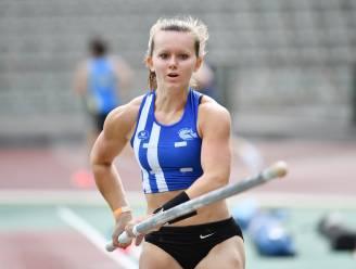Fleur Hooyberghs Belgisch kampioene polsstokspringen bij de beloften