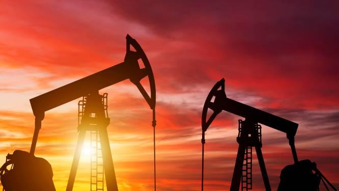Werknemers ASML en NXP tegen pensioenfonds: 'Stop met investeren in olie en gas'