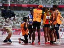 Séquence émotion aux Jeux paralympiques: un guide demande sa partenaire en mariage après leur 200m