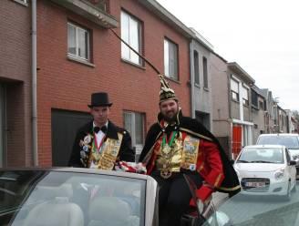 Geen carnavalsstoet, maar Prins Robin I maakt wel rondrit langs versierde huizen