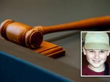 Vader van doodgereden 13-jarige gaat dader te lijf