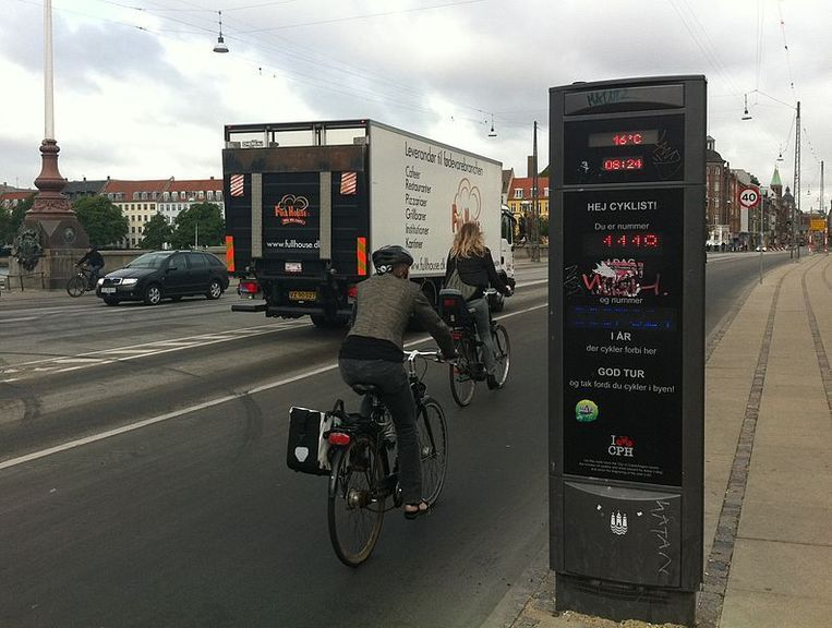 Kopenhagen stimuleert het gebruik van de fiets met brede fietslanen, gigantische fietssnelwegen en afgestelde verkeerslichten. Beeld Wikimedia Commons/Thorseth