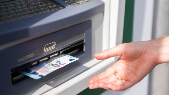 Betalen om geld af te halen? Enkel voor deze KBC-klanten