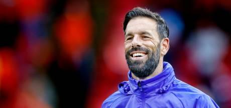 Ruud van Nistelrooy staat bij Jong PSV voor zijn vuurdoop als coach betaald voetbal