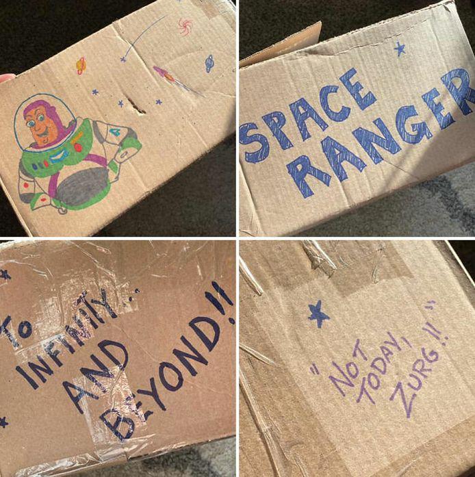 De doos was voorzien van een tekening van Buzz en enkele bekende quotes.