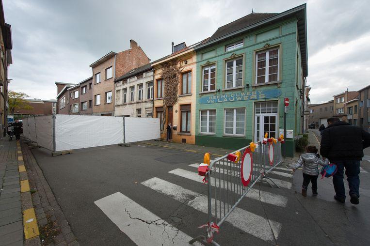 In 2015 was het Berthoudersplein op dezelfde plaats ook al een keer afgesloten voor het verkeer, nadat de gevel van een huis instabiel werd.