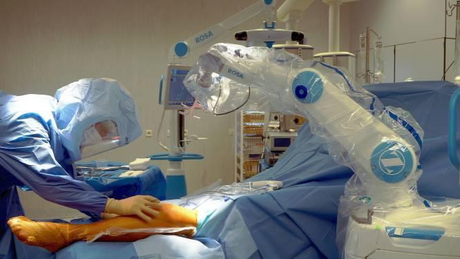 Kempense ziekenhuizen plaatsen voortaan knieprothesen met chirurgische robots