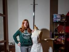 Dordtse Laurena (23) kon weer staan toen ze haar droomjurk paste: 'Het is absurd'
