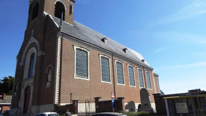 Communicanten uit Geetbets verhuizen naar Zoutleeuw omwille van onstabiel kerkplafond