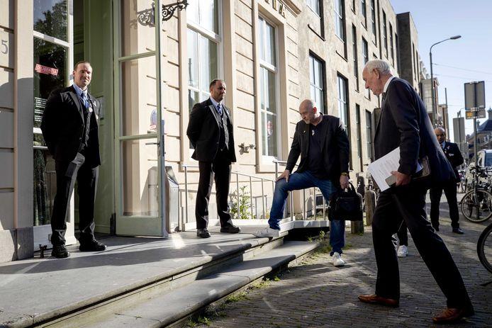 Waarnemend burgemeester Johan Remkes (VVD) komt aan bij Theater Diligentia voor de raadsvergadering waarin de nieuwe burgemeester bekendgemaakt is. Johan van Zanen is de nieuwe opvolger van Pauline Krikke.