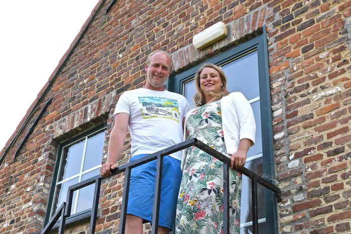 Kenneth en Sharon starten een nieuw avontuur in Te Cathem dat beschikt over acht kamers