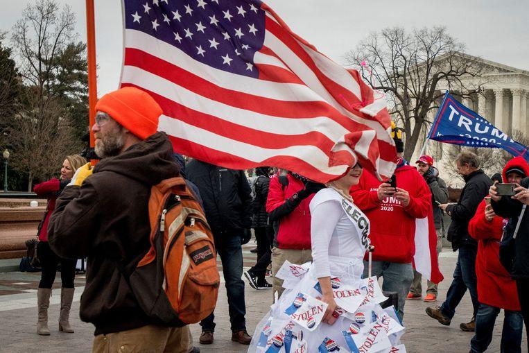 Archiefbeeld: aanhangers van Trump protesteren aan het Capitool. Beeld Photo News
