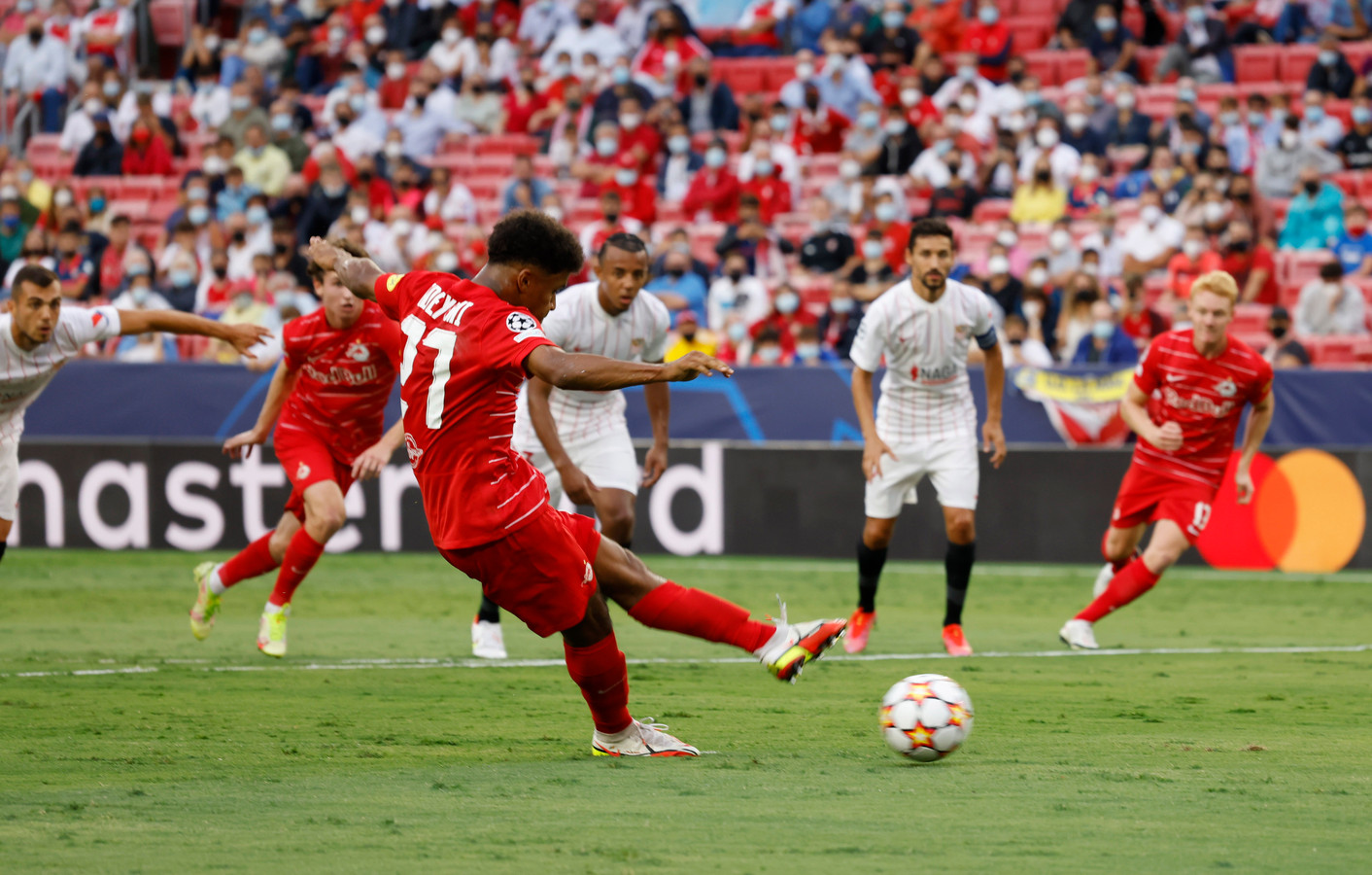 De penalty van Karim Adeyemi.
