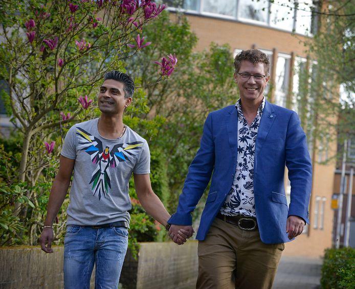 Marco Strijks met zijn vriend Iwan Boedhoe uit Enschede