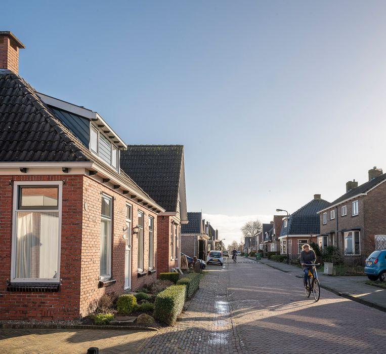 Het Friese Garyp (1.700 inwoners) ligt redelijk op koers met het van het gas af halen van woningen. Beeld Harry Cock / de Volkskrant