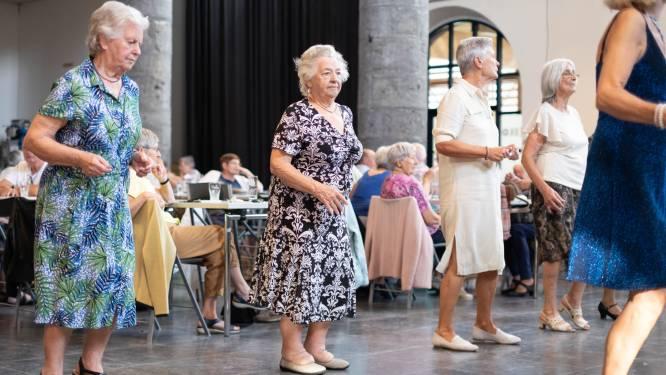 Stad ondersteunt ouderverenigingen in strijd tegen eenzaamheid