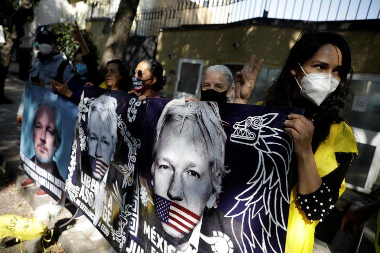 Mexicaanse demonstranten pleiten voor Assanges vrijlating. Beeld REUTERS