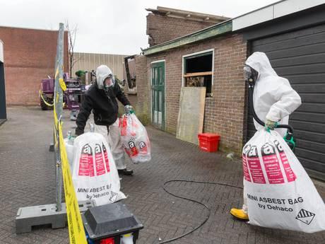Opruimen asbest tuinen van ontruimde woningen begonnen