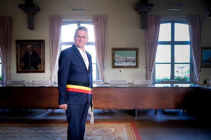 Huidig burgemeester Luc Vleugels (CD&V) is weer de populairste politicus, maar haalde wel zo'n 1.200 voorkeurstemmen minder dan in 2012.