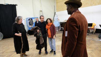 """Acteur Nico Sturm te gast bij Tutti Fratelli: """"Als Reinhilde Decleir belt, zeg je uiteraard ja!"""""""