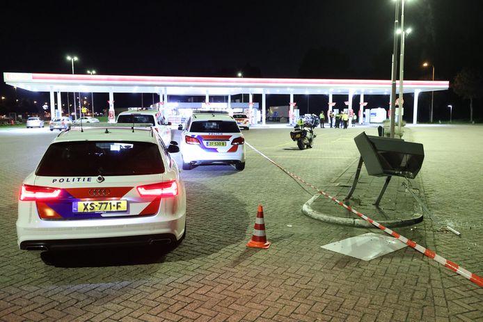 Een politieagent is donderdagavond meegesleurd nadat een automobilist op de vlucht sloeg bij een alcoholcontrole.