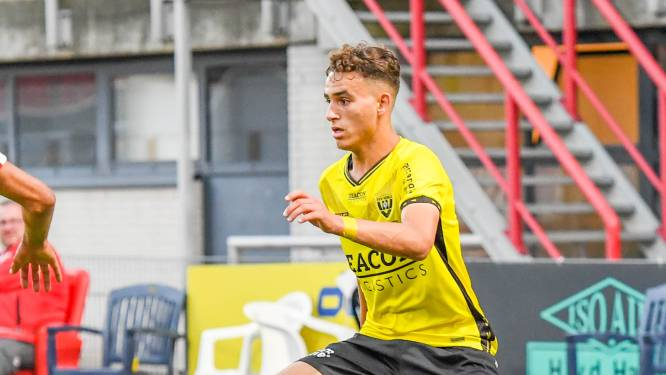 Gevolgd door Ajax, goed op weg bij VVV: Helmonder (17) breekt door dankzij papiertjes op slaapkamer