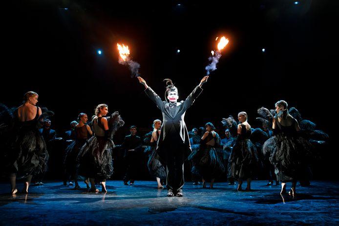 Een scène uit The Great Been, een productie van het Scapino Ballet.