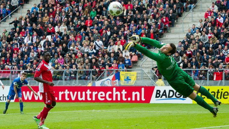 Sander Boschker ranselt een Utrecht-knal uit de kruising. Beeld PROSHOTS