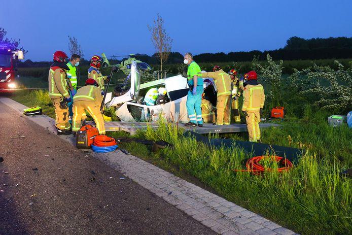 Veldhoven ongeval Tractor auto een gewonde. Traumaheli ter plaatse